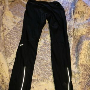 nike fit dry capri leggings